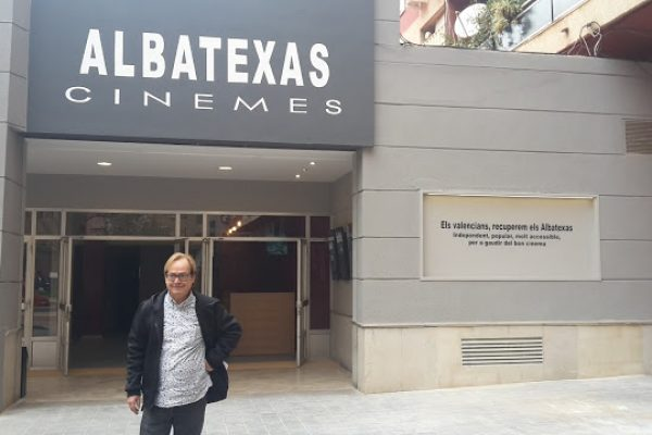 ALBATEXAS. Una illa de normalitat cinematogràfica… i lingüística (Viure en valencià-2)